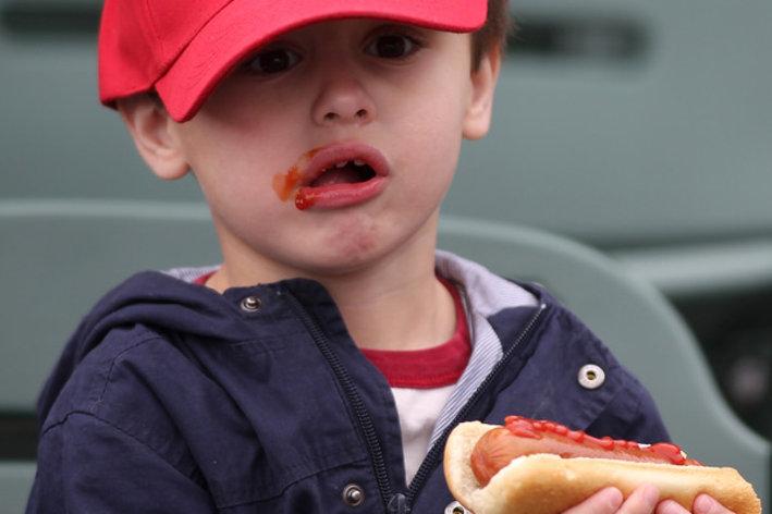 hot dog eater