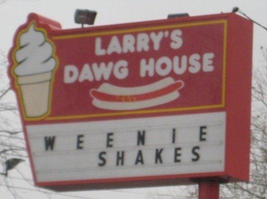 larrys dawg house